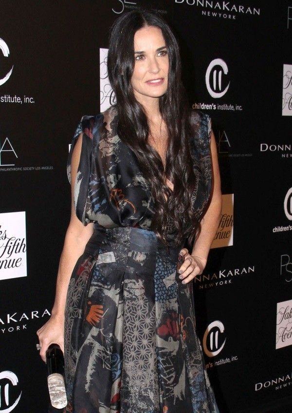 Demi Moore attended the Kabbalah blessing ceremony with her daughters.  Demi Moore Wishes. everybody notice her good looking stylish and amazing dressing.