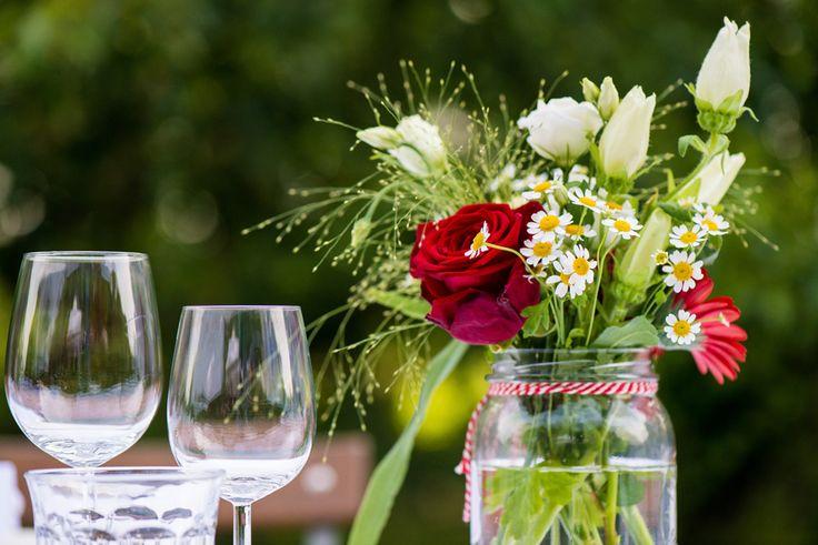 Tafeldecoratie bruiloft buitenbruiloft landgoed de olmenhorst lisserbroek