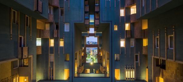 #barcelone #barcelona #барселона #чтопосетить #чтопосмотреть #достопримечательности #футуризм #дома #гауди #walden7 Жилой дом Walden 7 в Барселоне. Футуризм в Барселоне | Барселона10 - путеводитель по Барселоне