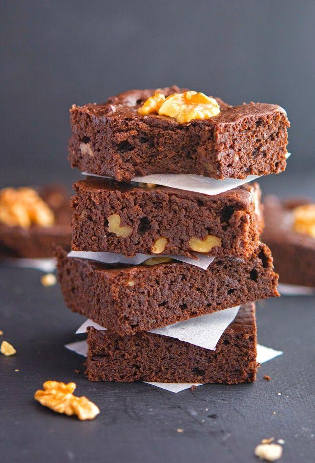 Chocolate-Walnut Avocado Brownies (Paleo & Vegan). ☀CQ glutenfree paleo vegan sweets treats desserts