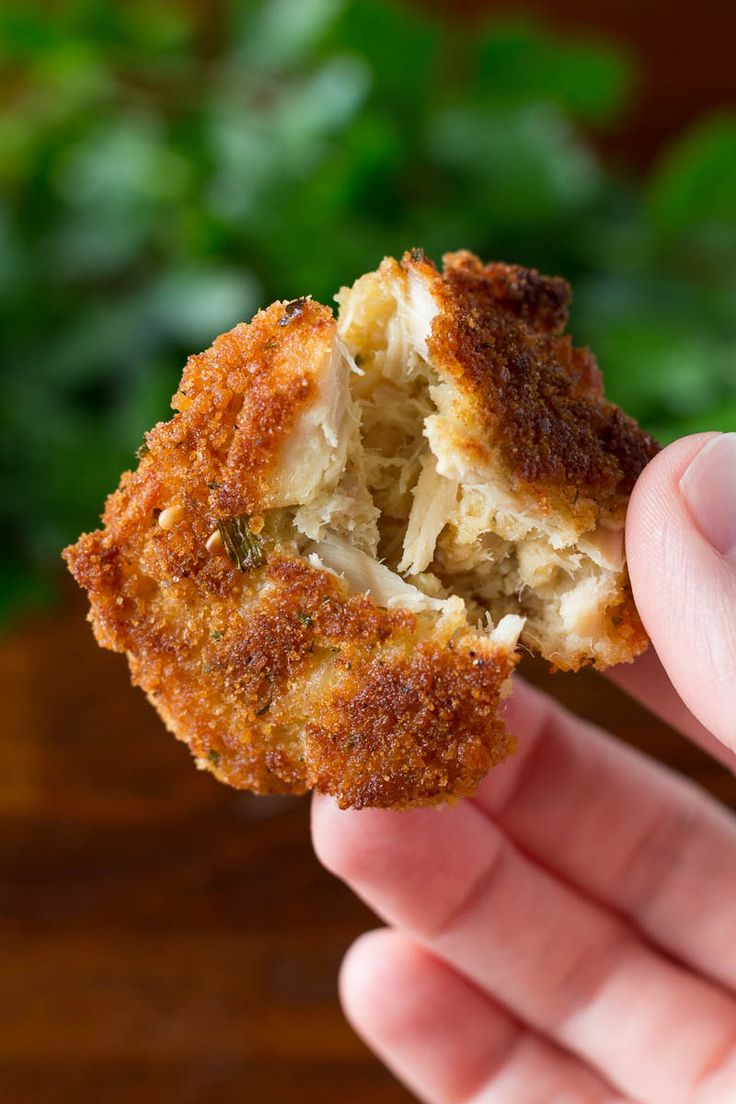 Crispy, crunchy tuna cakes made with albacore tuna are perfectly easy and made with just four ingredients!  This recipe is great for appetizers or dinner. #OnlyAlbacore #CG #BumbleBeeTuna @bumblebeefoods