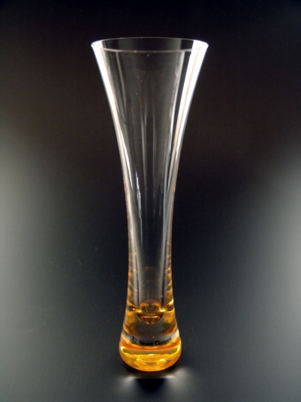98 best to sip my veuve from images on pinterest champagne flutes champagne glasses and - Coupe champagne veuve clicquot ...