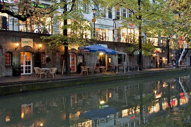 O Canal antigo em Utrecht é o lugar predileto para jantares românticos à beira d'água. Países Baixos (Holanda).          DSC_0316-web61