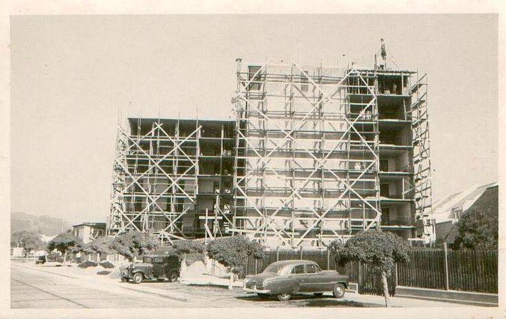 Construcción Hotel San Martín de Viña del Mar, años 50'.  #HSM #ViñadelMar #Historia #Chile #HSMChile #Turismo #JoaquínEscudero #MartaEscudero #Hotelería #Hotel #VRegion