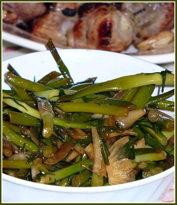 Салат домашний из рисовой лапши и капусты