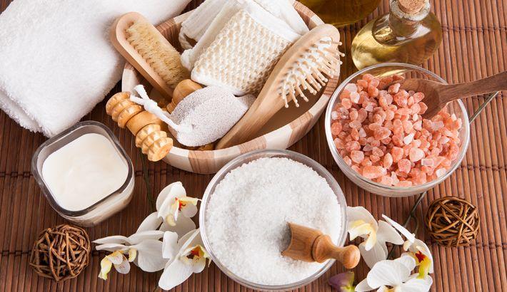 'Dry Brushing' (Dry Skin Brushing oftewel Dry Body Brushing) is een term die wordt gebruikt voor het borstelen van de droge huid met een droge borstel. Het is een techniek die wordt gepropageerd door schoonheidsklinieken en Beauty & Lifestyle-websites om