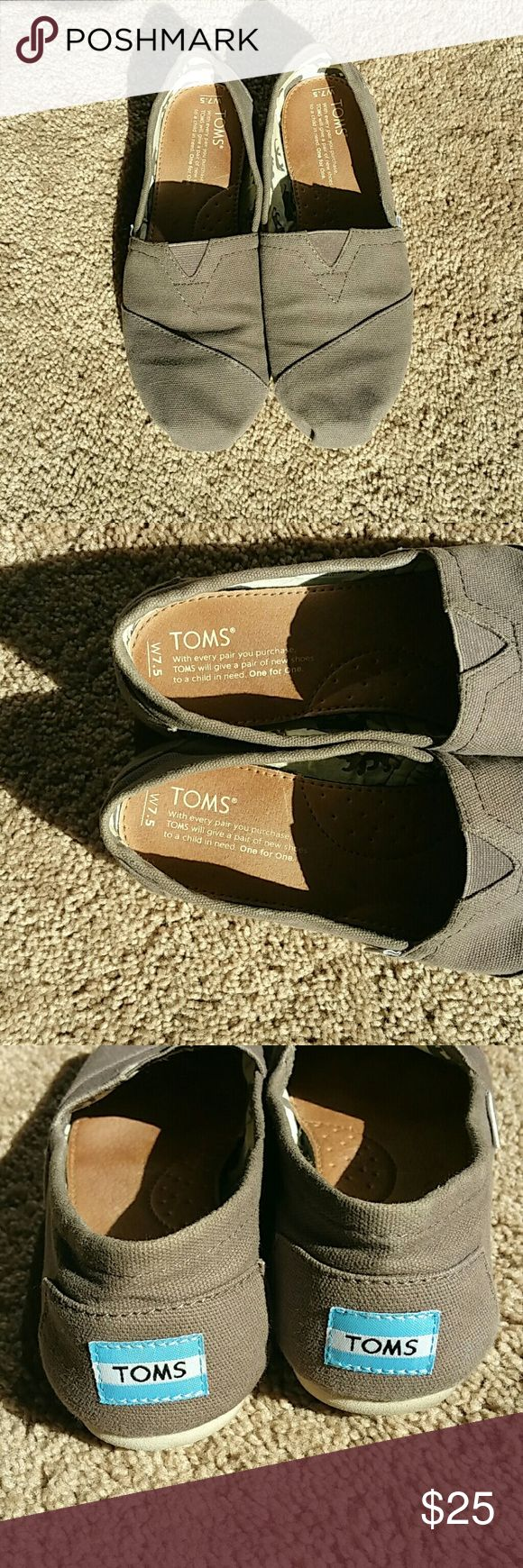 Gray TOMS Womens Flats Size 7.5 Women's gray flat TOMS gently loved shoes size 7.5.  Will go with any outfit. Toms Shoes Flats & Loafers
