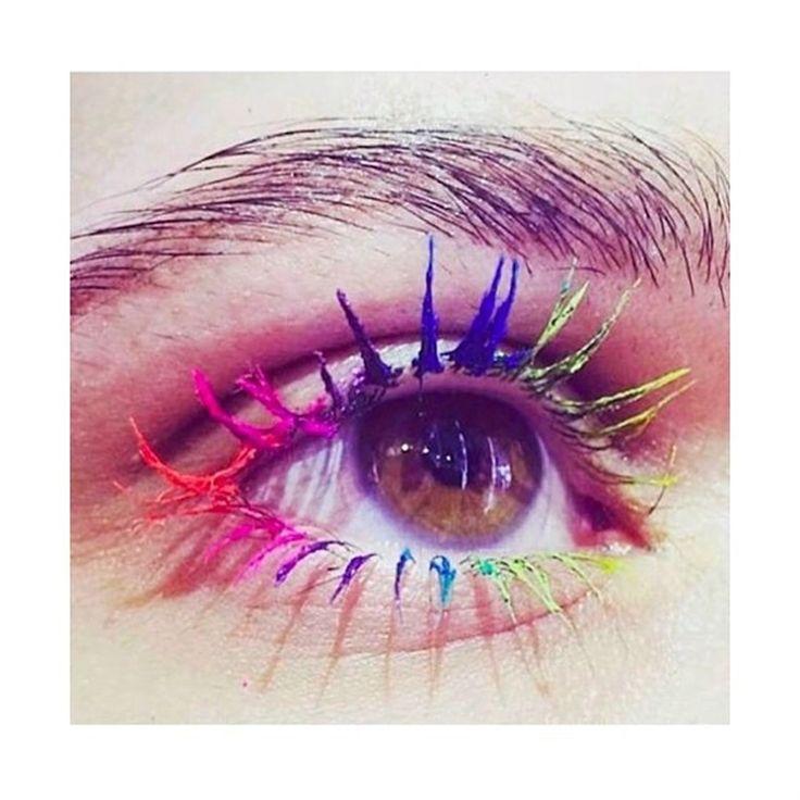 Tendenza make-up estate 2016: mascara colorato per ciglia multicolor - VanityFair.it
