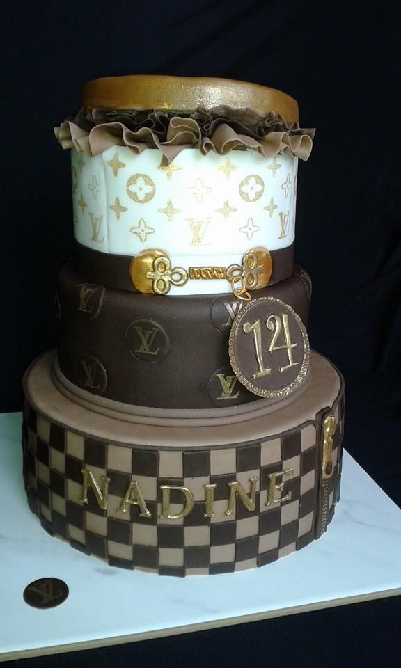 Es war eine Herausforderung :-) Louis Vuitton Torte (Cake)