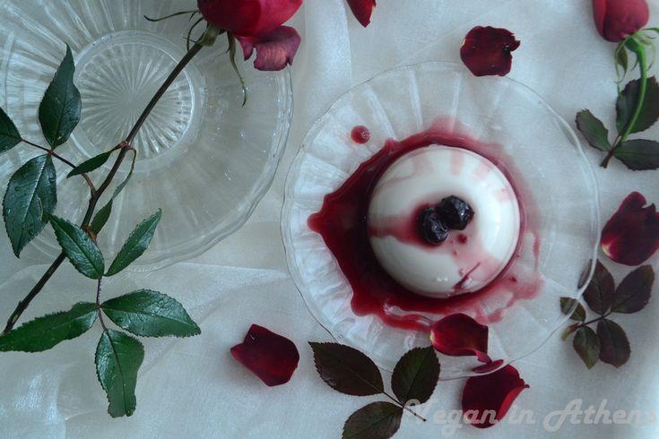Mouthwatering St. Valentine's Day vegan, gluten-free panna cotta – A super easy, 3-ingredient vegan dessert