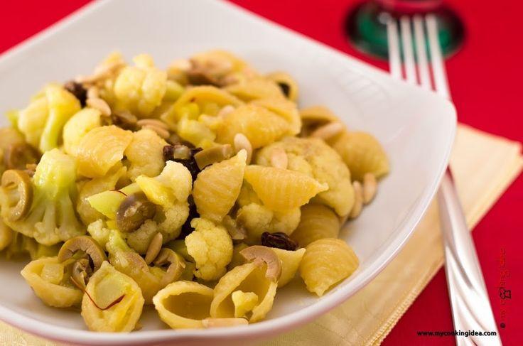 Pasta veloce con olive e cavolo - My cooking idea http://www.mycookingidea.com/2014/11/pasta-veloce-con-olive-e-cavolo/
