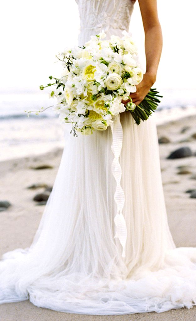 #Bouquet beach bride's gorgeous #wedding #flowers ideas ToniK Wedding Hairstyles ♥ ❶ Beautiful flowing wedding gown dress