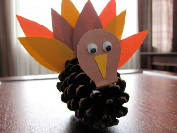 Pinecone Turkey~  Fun, easy Thanksgiving craft.  Check out this site for 18 different fall, craft ideas.  This one is #12!