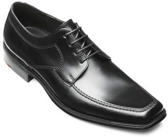 Kan du ikke finde på en gave til manden? Så får du her 10 gode gaveideer til mænd, med særligt fokus på hvad mændene bare elsker! Kig forbi listen for at få inspiration. Se bare denne stilfulde sko - hvem vil ikke blive glad for den?