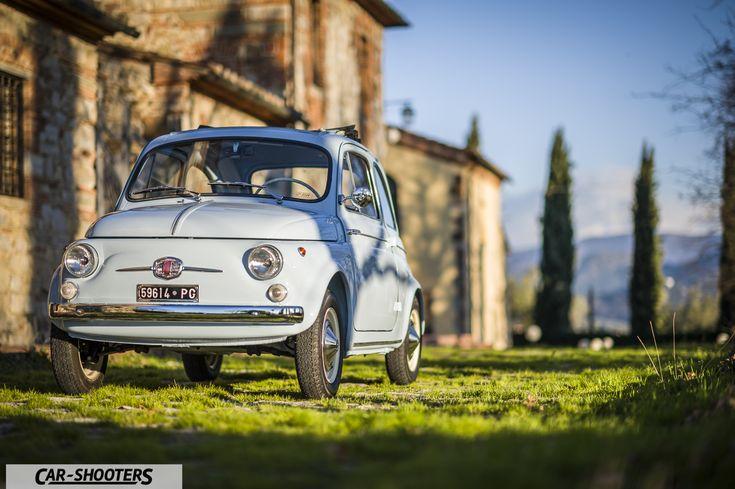 Scoprite con noi una vettura che ha fatto la storia dell'automobilismo Italiano: la Fiat Nuova 500 D. Perfetto restauro, un articolo da non perdere!