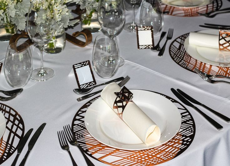 Copper Placemats, Wedding Placemats, Foil Chic Design Round Copper Placemats - PACK OF 20 by WeddingTableSettings on Etsy https://www.etsy.com/listing/530395772/copper-placemats-wedding-placemats-foil