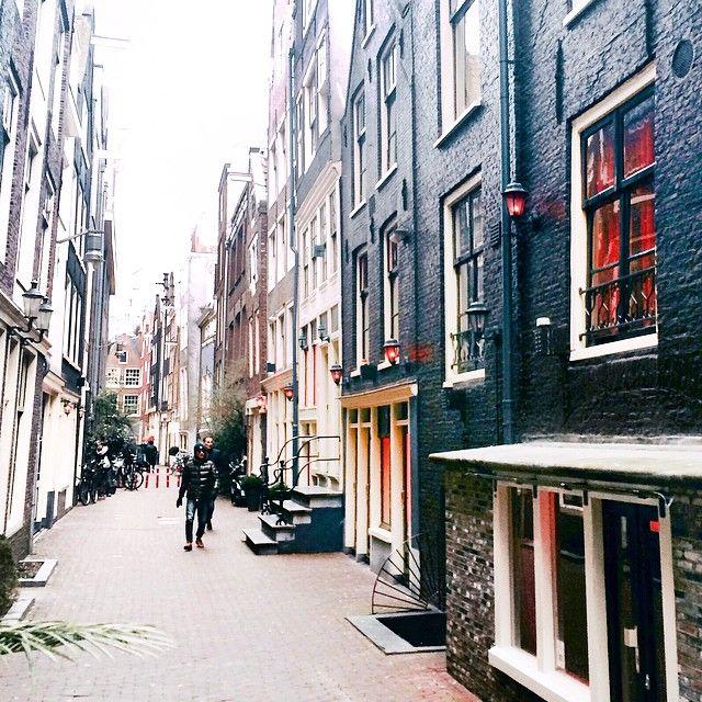 Red Lights 🏮🏩🙈 вот такой у меня сегодня Амстердам 💁😅 Красные фонари 💃