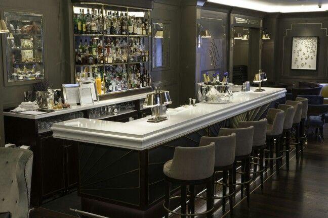 Churchill bar and restaurant, Hyatt Regency, London.