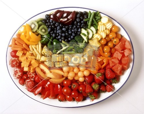 Rainbow veggie/fruit platter -- love the variety!: Veggie Fruit Platters, Rainbows Veggies Fruit, Veggies Fruit Platters, Pictures, Rainbows Veggie Fruit