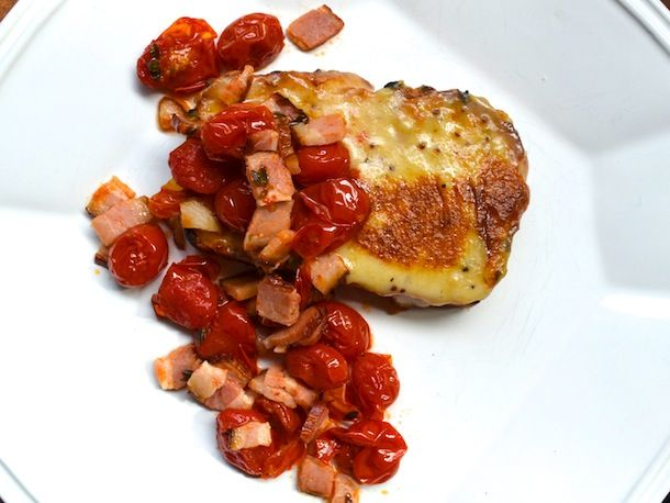 British Bites: Welsh Rarebit on Bacon Cheddar Bread with Bacon Roasted Tomatoes #recipe #dinner