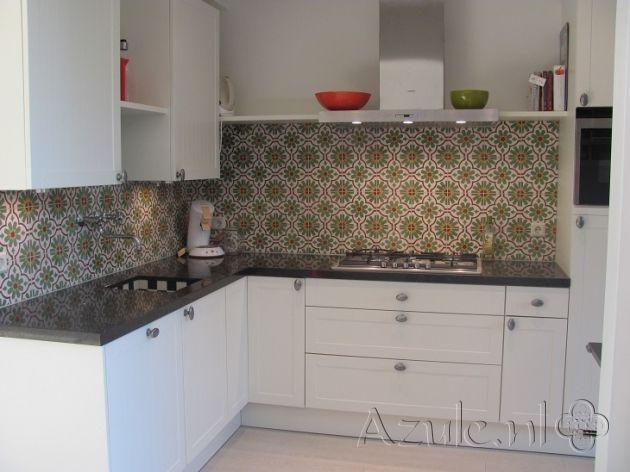 Cementtiles kitchen - verde 02 - Project van Designtegels.nl