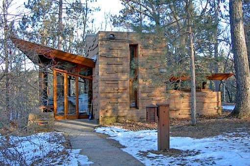 I wanna stay just one home in the Seth Peterson Cottage, designed by Frank Lloyd Wright, located on Mirror Lake, in Lake Delton, WI