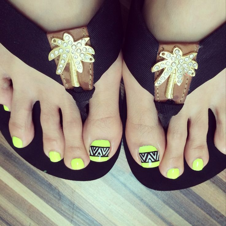 tribal toes nail designs