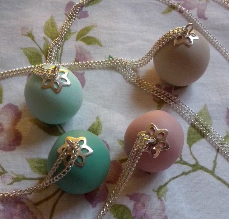 Collane Anvia' in pasta fimo tinte pastello e neutre In vendita, e disponibili in qualsiasi colore e lunghezza! #handmade #fimo #polymerclay #tiffany