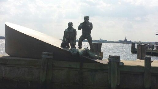 This is the most emotive statue I have seen in my life. In memory of sea merchants lost at war