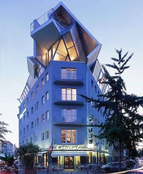 Grand Hotel Accomodations  Serafini Amelia  Hotel Chelsea Cologne