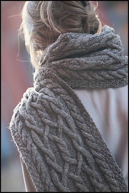 Ravelry: Dryad pattern by Jared Flood    My other favorite scarf. Thick and long and blanket-y.
