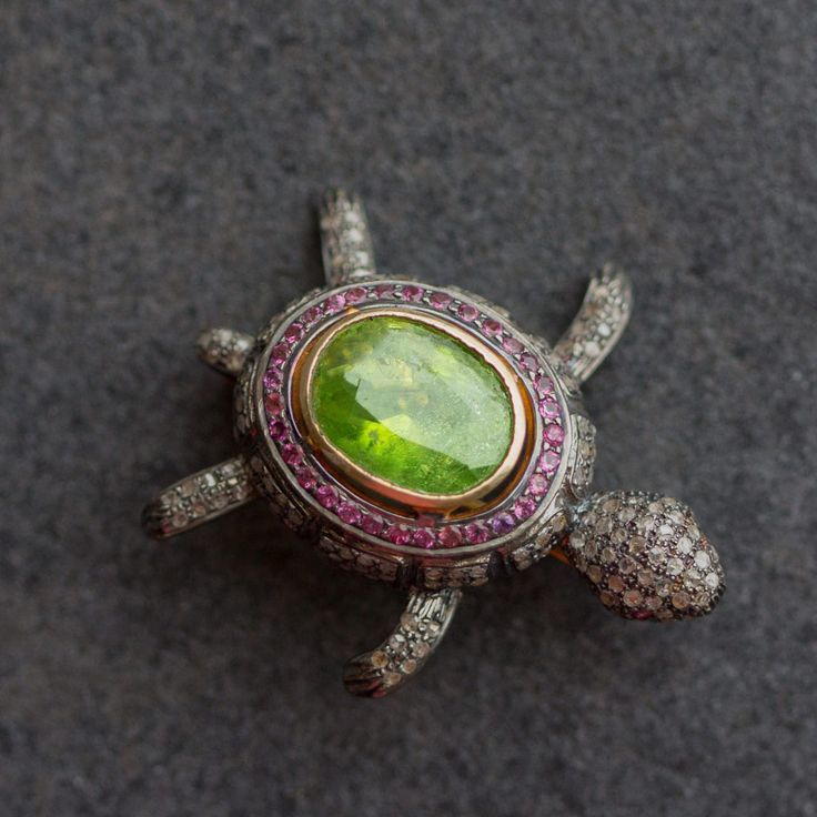 """Silver and Gold diamonds brooch """"Turtle"""" with Peridot"""