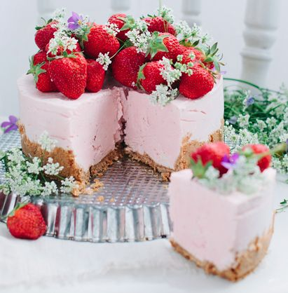 No Bake Strawberry Mascarpone Cheesecake