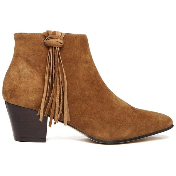 KG by Kurt Geiger Shimmy Tassel Detail Suede Ankle Boots (4.330 UYU) ❤ liked on Polyvore featuring shoes, boots, ankle booties, tan, tan booties, suede bootie, pointed toe booties, suede ankle booties and tan suede boots