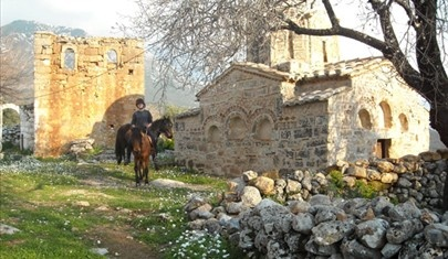 Go trekking on horseback on our unique yoga and horse riding holiday in Kalamata, Greece http://www.house2book.com