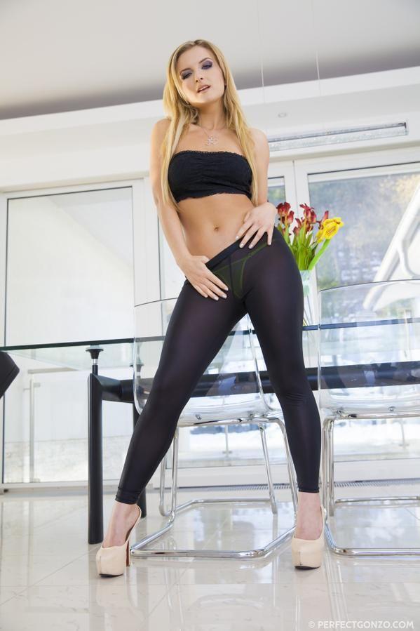 Hot Yoga Pants Photo fascinating World Pinterest