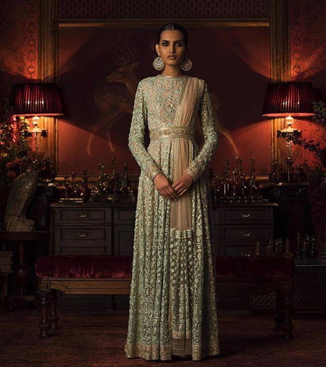 SabyaSachi Couture #pakistanvogue #bridal #sabyasachimukherjee