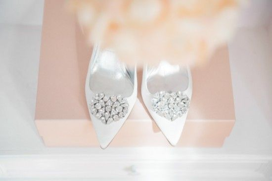Mascia-Mandolesi-luxury-wedding-shoes-designer-weddingchicks-calati-mascia-mandolesi-3.jpg (550×366)