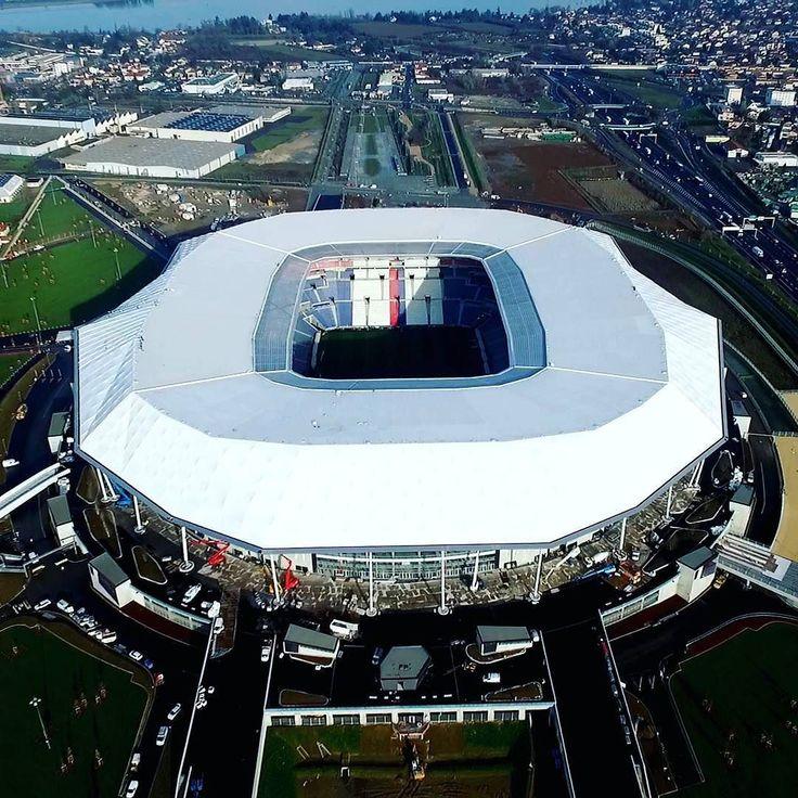 Espéndidas obras de la #Arquitectura moderna hoy en el #Documental: MEGASTADIUM - LE TOUR DE FRANCE 11:00(MX) 13:00(BA) Para recibir una competencia internacional tan importante como el Euro de fútbol el país anfitrión debe disponer de estructuras excepcionales. #Francia organizadora de la edición 2016 se equipó así con 10 arenas deportivas ultra-modernas. Descubra estos 10 #estadios verdaderas obras arquitectónicas como nunca se ha visto. #euro2016 #estadiosdefrancia #futbol  #vamosfrancia…