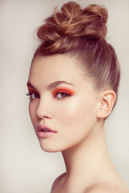 Orange, Eye Makeup, Bright Eye, Eye Shadows, Beautiful, Hair Makeup, Eyemakeup, Eyeshadows, High Bun