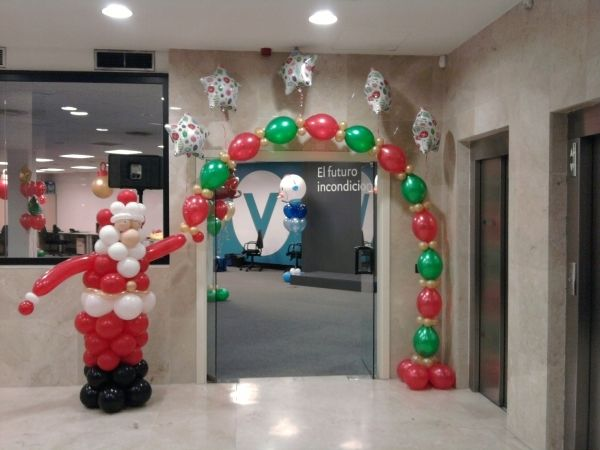 1199 best balloons for christmas images on pinterest - Decoracion de navidad con globos ...