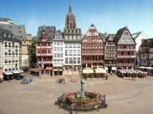 Römerberg Frankfurt - PIA Stadt Frankfurt am Main Foto Tanja Schäfer  10 things to do in Frankfurt