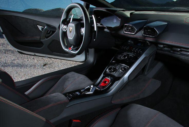 2018 Lamborghini Huracan interior
