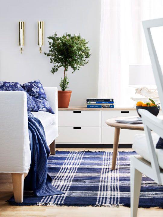 Norrgavel är mer än möbler. Vi har även en serie utvalda inredningsdetaljer som säljs exklusivt hos oss. Metervara i 100 % lin från Norrgavel. Tyget är för