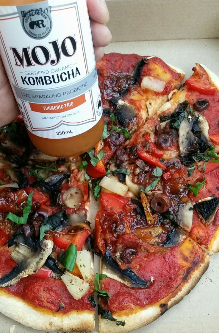 Just passed my eyesight test and renewed by driving licence for 5 years. Yay! Celebrating with a take-away wood-fired vegan pizza. Yum! 😄