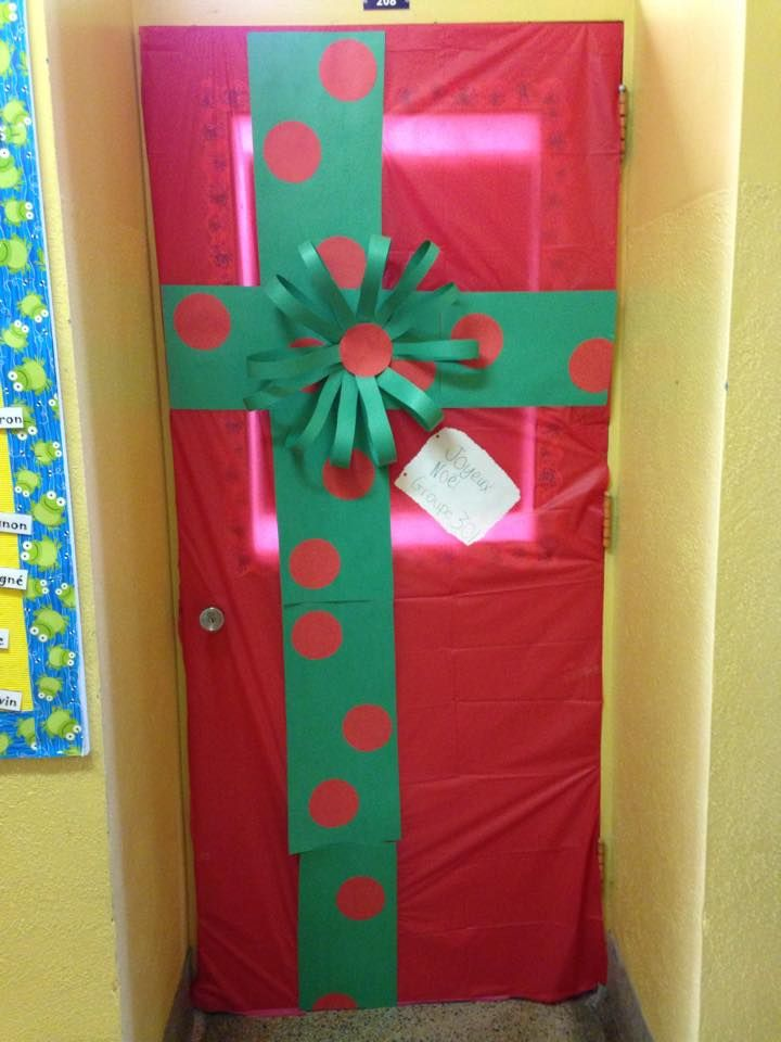 D coration porte de classe no l no l pinterest for Decoration porte noel maternelle