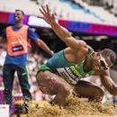 Brasileiro ficou totalmente cego em 1996, como resultado da doença de Stargardt (Foto: Divulgação/CPB)  O brasileiro Ricardo Costa conquistou, neste domingo, a medalha de bronze no salto em distância da classe T11 (deficientes visuais) no Mundial de atletismo paralímpico. Essa foi a quinta medalha do Brasil na competição, que está sendo disputada em Londres.  O atleta do país atingiu a marca de 6,21m em seu quarto salto. Lex Gillette, americano, fez a marca de 6,27m e conquistou o ouro. Esse…