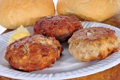 Sastojci:   - Mljeveno meso 500 grama  - Jaja 4 kom.  - Brašno 4 kašike  - Kisela pavlaka 200 gr...