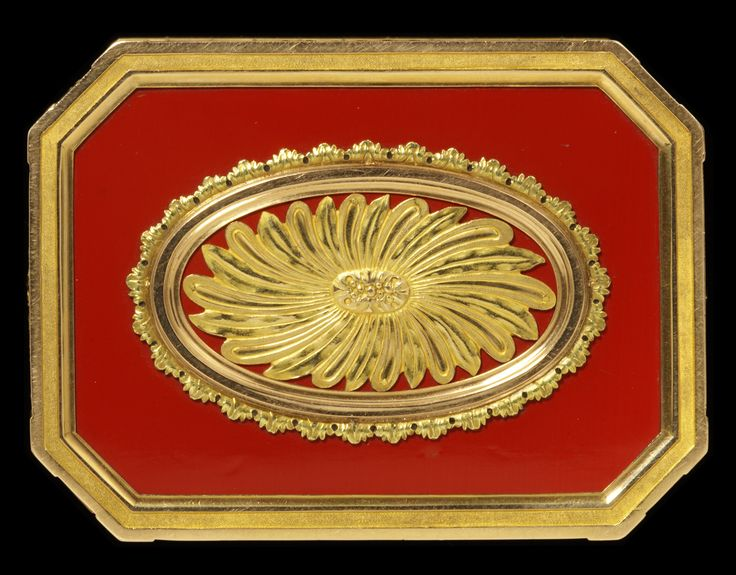 Snuffbox, R J Auguste, Paris, 1769-71, museum no. M.137-1917 | The Victoria and Albert Museum, London