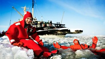 A cruise on Arctic Icebreaker Sampo leaves even the most seasoned seafarers awestruck.